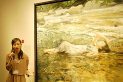 第2回ホキ美術館大賞・準賞の発表とホキ美術館大賞展。写実絵画の魅力にあふれた若手作家の入選作品37点を展観。93点の応募作品の中から大賞を受賞したのは・・・!?