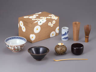 国宝 雪松図と明治天皇への献茶