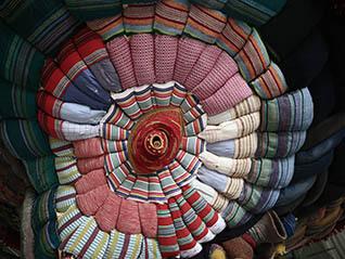 いのちの裂け目―布が描き出す近代、青森から