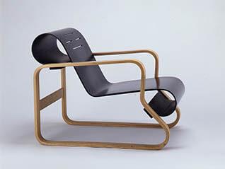 MEDE SUWARU - 今日みられる椅子